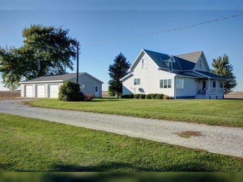 857 N 1400 E Rd, Melvin, IL 60952