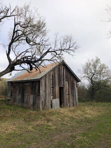 Photo of 944 N Fm 1049, Knippa, TX 78870