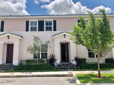 Photo of 17124 Sw 95th Ter, Kendall, FL 33196
