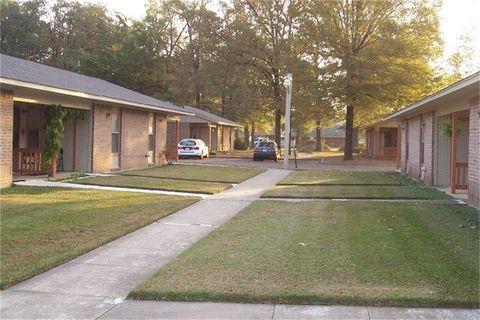 Photo of 303 E Ave, Hooks, TX 75561