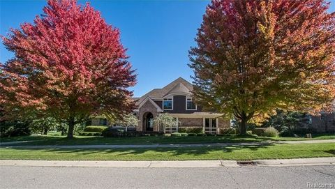 1076 Troon, Highland Township, MI 48357