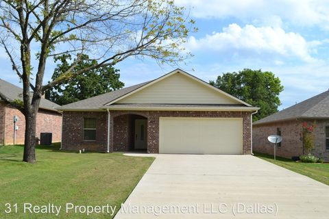 Photo of 1011 W Rice St, Denison, TX 75020