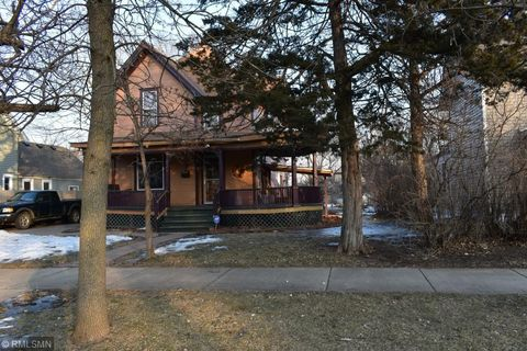 821 3rd Ave Nw, Faribault, MN 55021