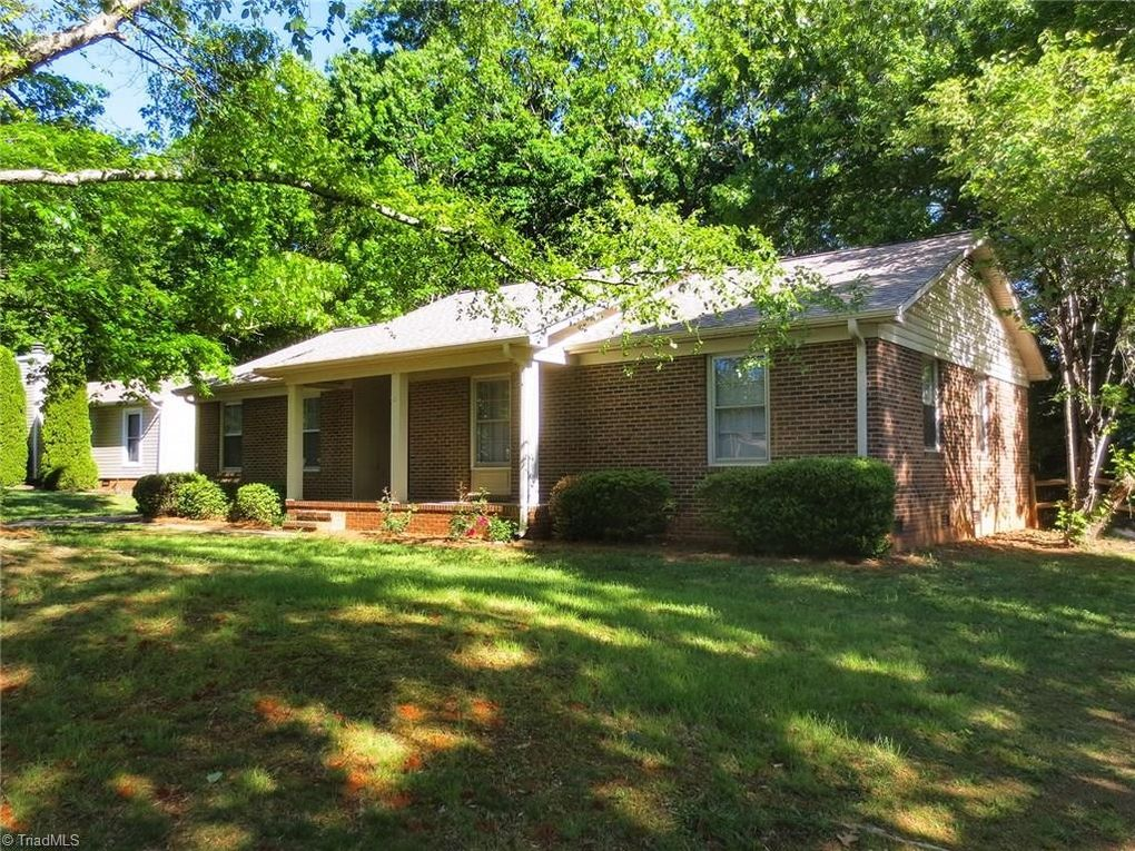 2811 New Garden Rd E, Greensboro, NC 27455 - realtor.com®