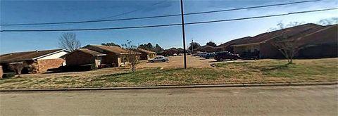 Photo of 1302 Jacksonville Square Dr, Jacksonville, TX 75766