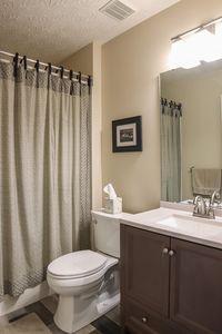 6585 Pondfield Ln, Mason, OH 45040 - Bathroom