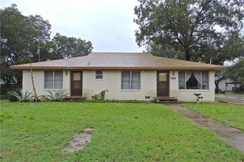 Photo of 1103 W 11th St, Clifton, TX 76634