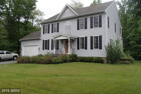 629 Colleen Ave, Gambrills, MD 21054