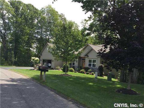Photo of 6752 Flametree Dr, Fayetteville, NY 13066
