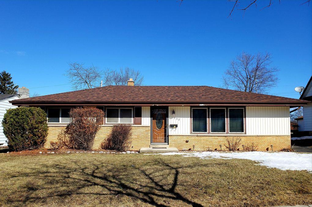 10932 W Stark St, Milwaukee, WI 53225
