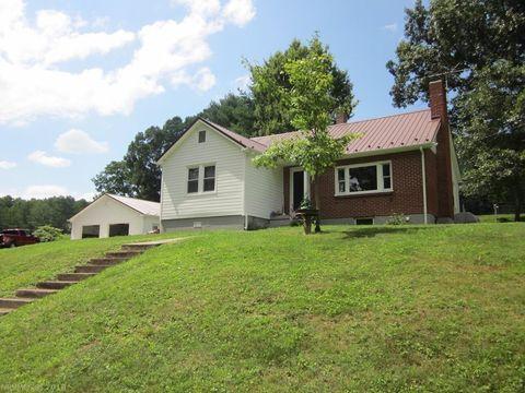 197 Fox Mountain Rd, Max Meadows, VA 24360