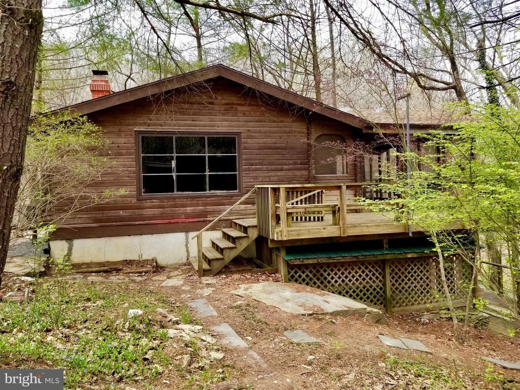703 Wagon Trail Rd, Harpers Ferry, WV 25425