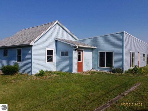 11165 N Wyman Rd, Blanchard, MI 49310