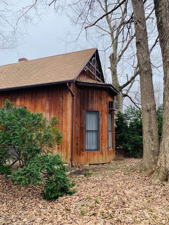 546 Bells Mill Rd, Shepherdsville, KY 40165