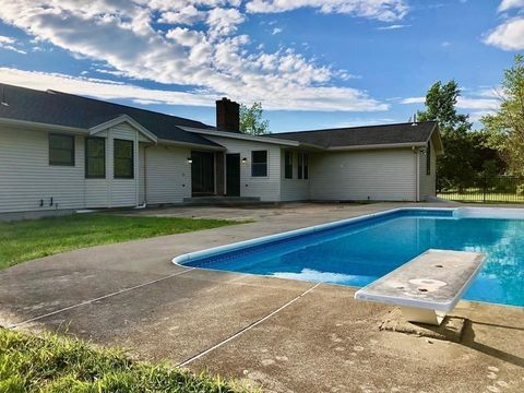 Leicester, MA Houses for Sale with Swimming Pool - realtor com®