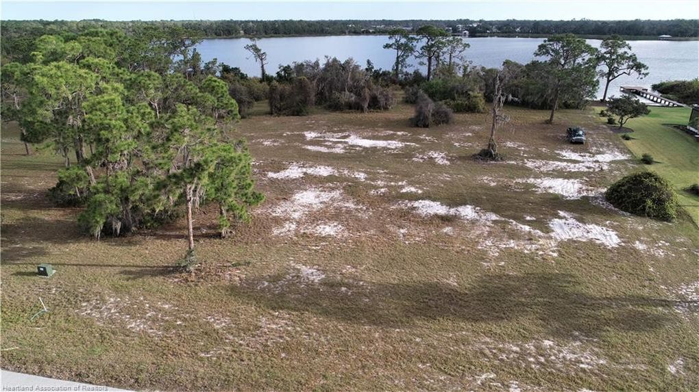 4066 Camp Shore Dr Sebring, FL 33875