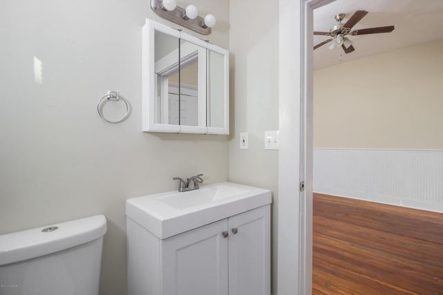 118 Stoll Ave  Louisville  KY 40206   Bathroom. 118 Stoll Ave  Louisville  KY 40206   realtor com