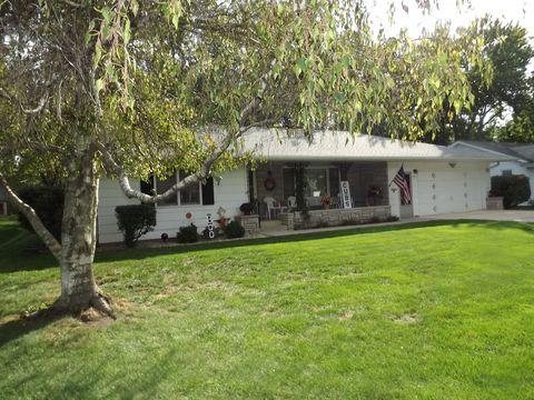 Photo of 561 E Lincoln Ave, Watseka, IL 60970