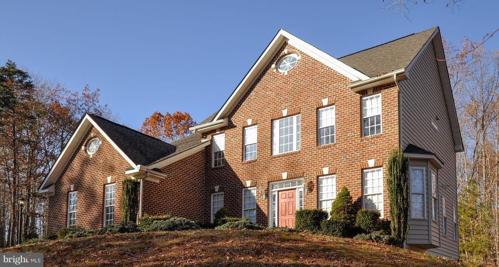 8313 E Harrison Ct, Fredericksburg, VA 22407
