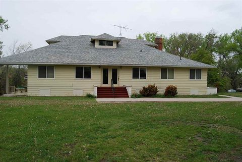 35 Old Country Club Rd, Chadron, NE 69337