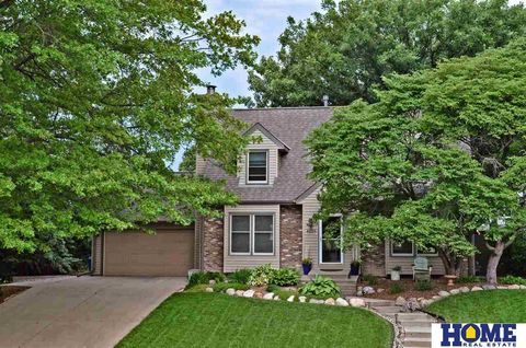Photo of 4225 Ridgeview Dr, Lincoln, NE 68506