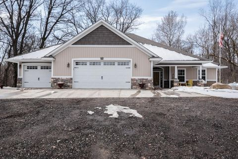 Photo of 10153 250th St E, Lakeville, MN 55044