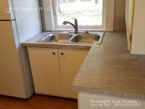 Photo of 1810 Avenue R Unit C, Lubbock, TX 79401