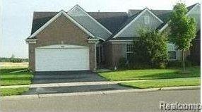 400 Golf Villa Dr, Oxford Township, MI 48371