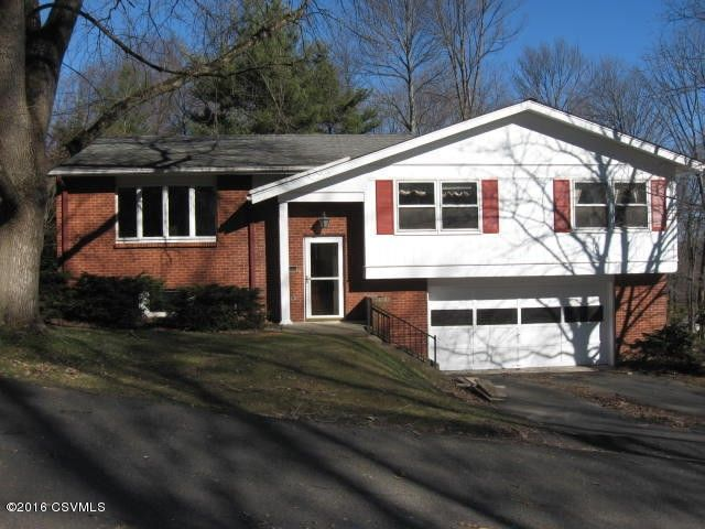 611 Country Club Dr, Bloomsburg, PA 17815
