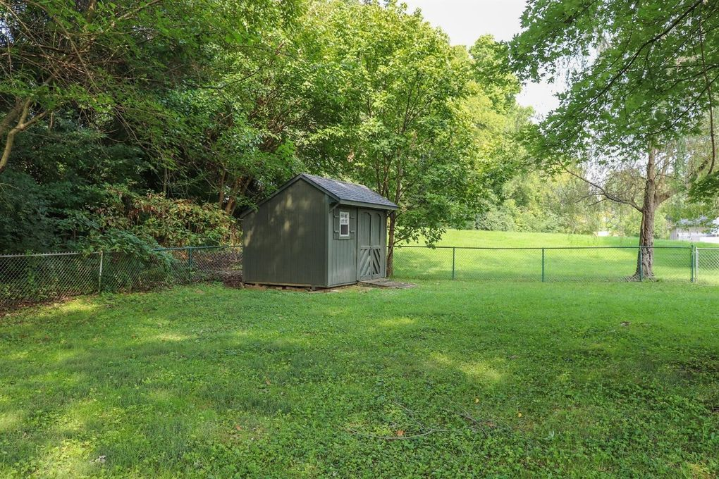 3047 Stanwin Pl, Evendale, OH 45241