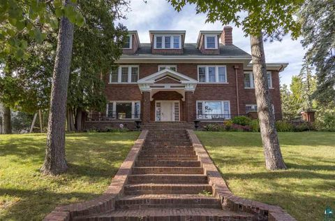 Photo of 2531 E 6th St, Duluth, MN 55812