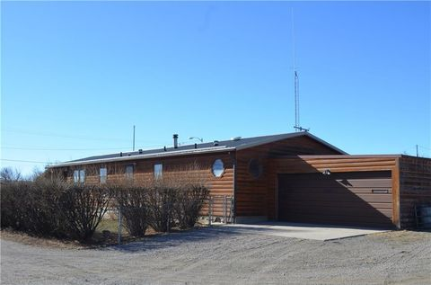 Photo of 406 Second St Nw, Harlowton, MT 59036
