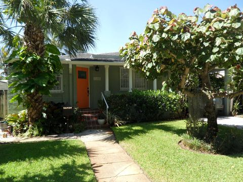 Photo of 532 35th St, West Palm Beach, FL 33407