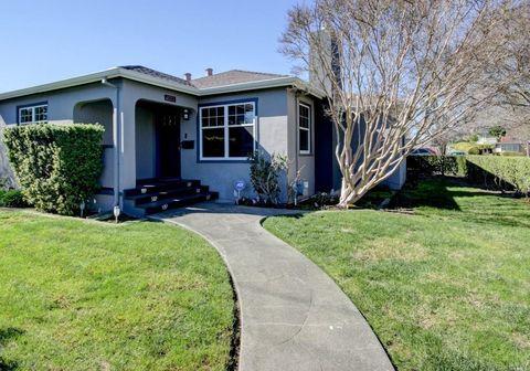Photo of 600 Mountain View Ave, Petaluma, CA 94952