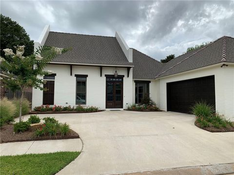 Photo of 5993 Stonegate Dr, Alexandria, LA 71303