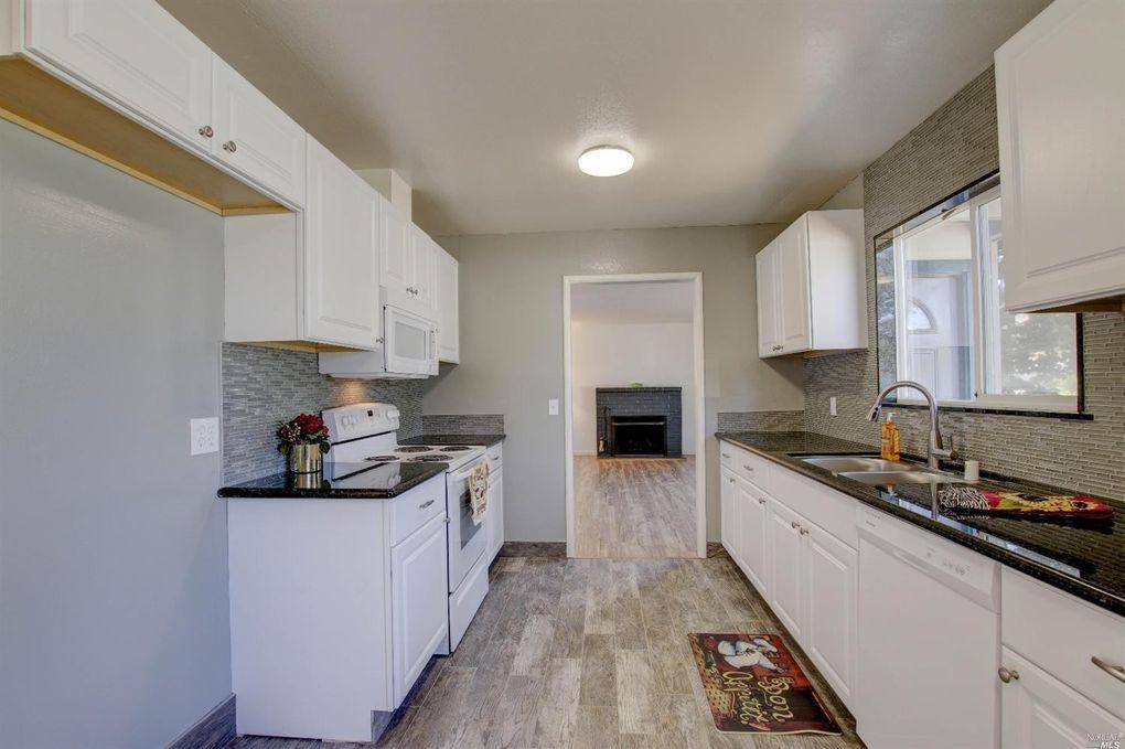 650 Sunny Manor Way, Santa Rosa, CA 95401