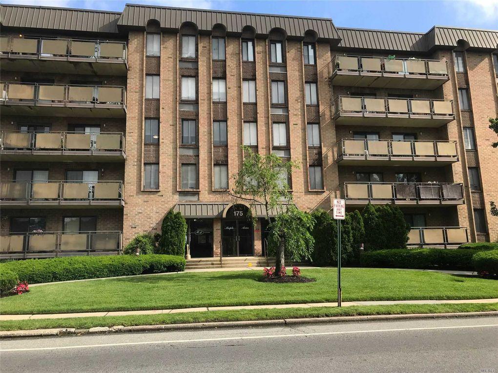 175 Maple Ave Apt 5L Westbury, NY 11590