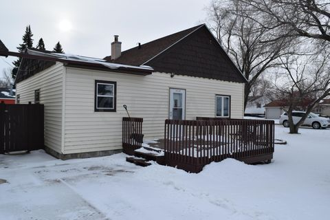 Photo of 1202 4th Ave Se, Devils Lake, ND 58301