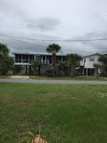 164 W 9th Ave, Horseshoe Beach, FL 32648