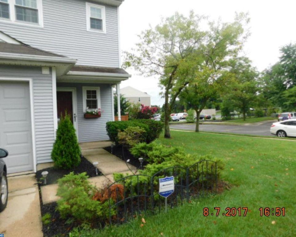 1 Regency Dr, Mount Holly, NJ 08060