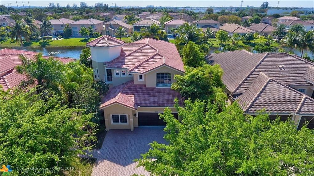 12304 NW 48th Dr Coral Springs, FL 33076