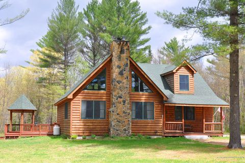 Photo of 31 Riverwood Dr, Newry, ME 04261