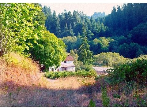 Photo of 15961 Highway 42, Myrtle Point, OR 97458