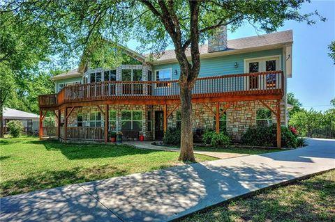 Photo of 172 Cherokee Blvd, Pottsboro, TX 75076