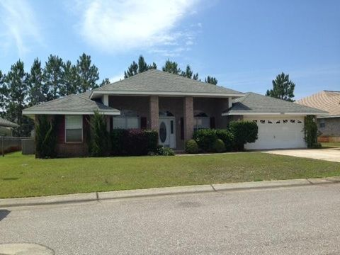 10026 Parker Lake Cir, Navarre, FL 32566