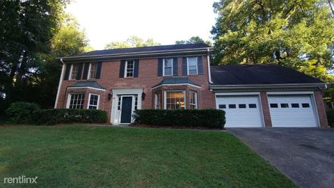 Photo of 555 Hampton Ct Sw, Marietta, GA 30064