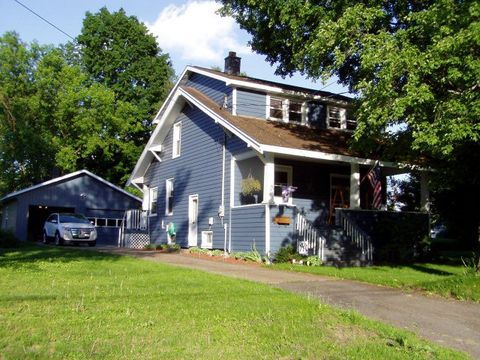 5 Williamson St, Malone, NY 12953