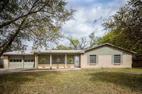 Photo of 216 Elizabeth Dr, Del Rio, TX 78840