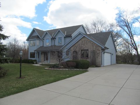 Photo of 12975 W Wade Dr, New Berlin, WI 53151