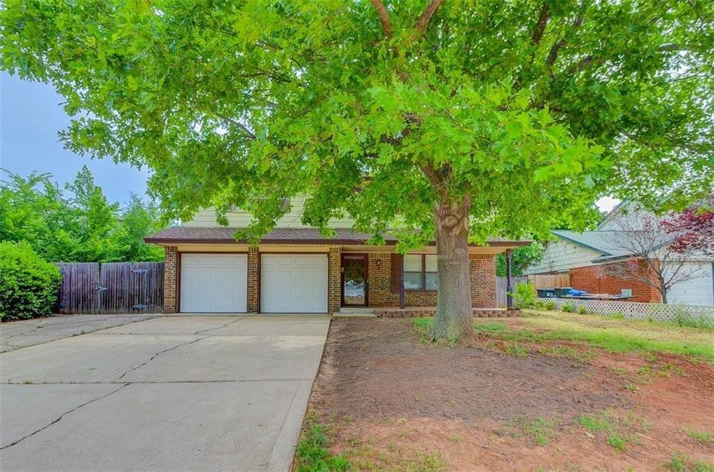 2923 Woodview Dr Norman, OK 73071